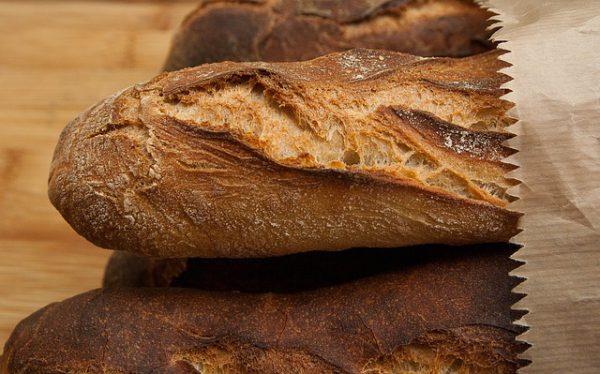 Fotografia ravvicinata di un filone di pane
